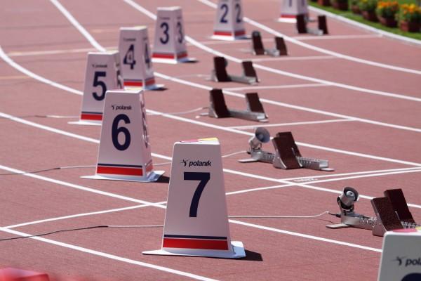 Indicador Polanik para pistas de atletismo - 60 cm