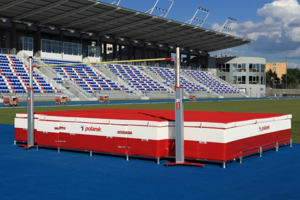 Polanik Multicube High Jump Mat for Competitions - 6 x 4 x 0.7 m